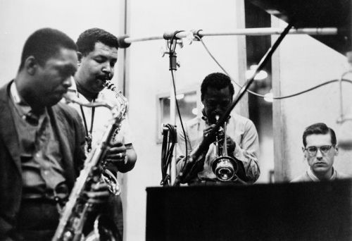 John Coltrane, Cannonball Adderley, Miles Davis & Bill Evans enregistrent Kind of Blue